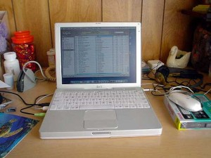 Apple Macintosh iBook 700 G3